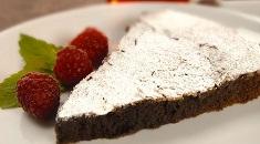 Fria Kladdkaka chocolate brownie cake