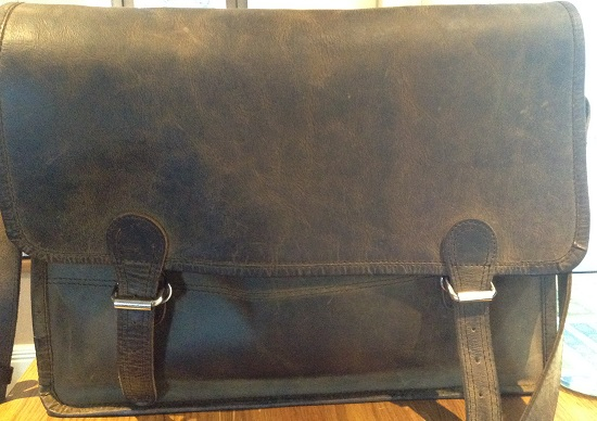 What is in the Allergic Girl WhatAllergy's beautiful 100% leather satchel