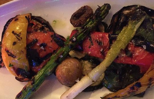 Verdura a la plancha: courgette, aubergine, peppers, asparagus, mushrooms